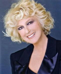 Tanti auguri a Loretta Goggi  per il ritorno al successo in TV con Un'altra vita
